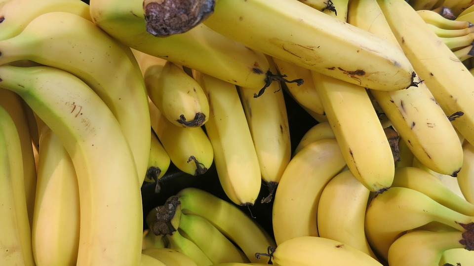 1 medium banana = 35mg