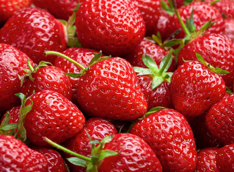 6 strawberries = 25mg