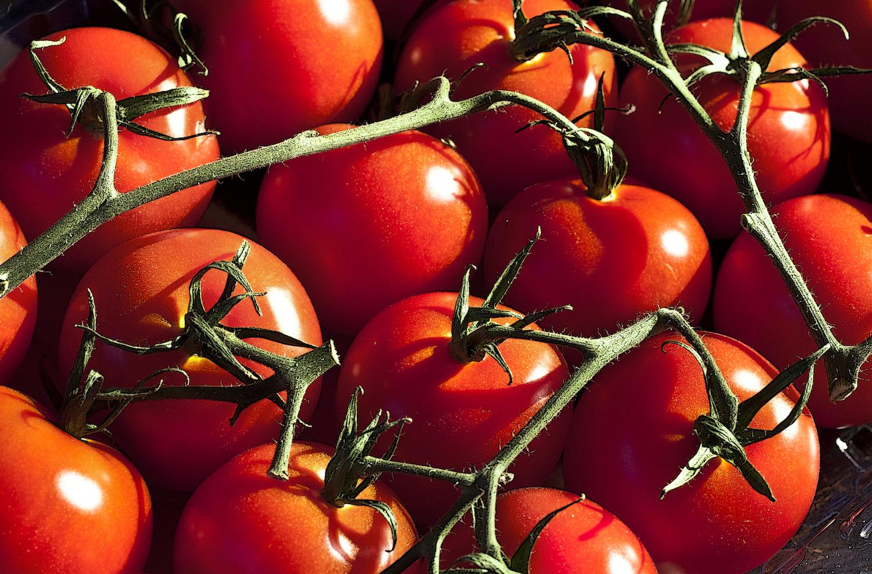 4 medium tomatoes = 30mg