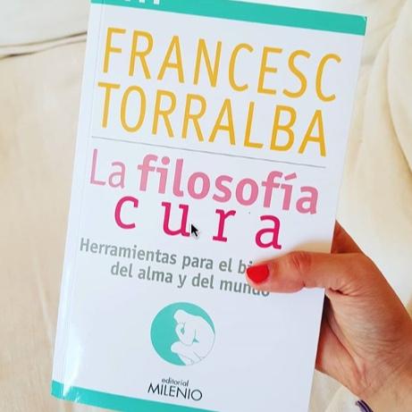 francesc-torralba-la-filosof%C3%ADa-cura-imma-rabasco-living-with-choco.jpg
