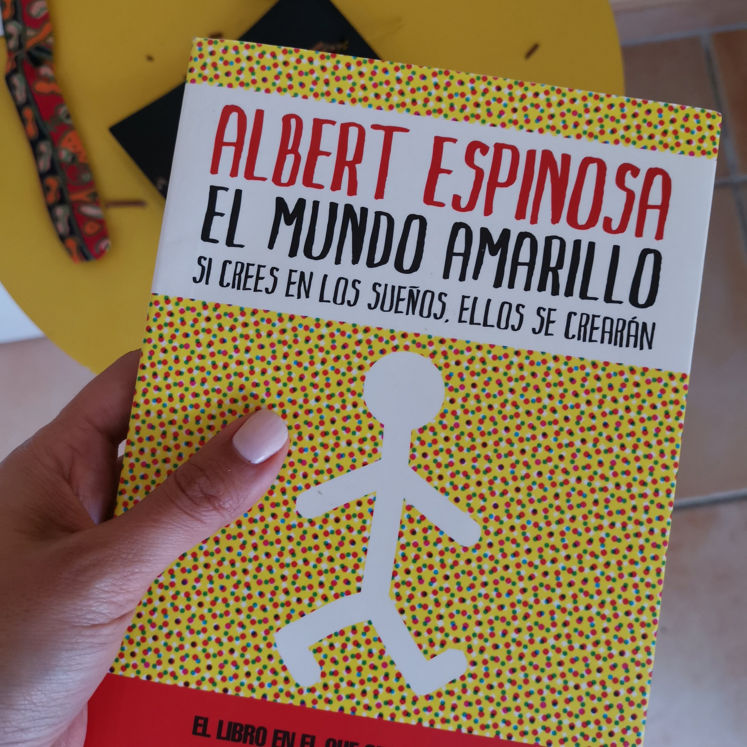 el-mundo-amarillo-albert-espinosa-imma-rabasco-living-with-choco