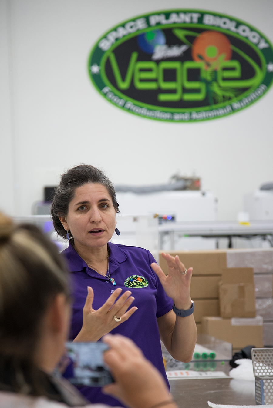 Gioia Massa speaks with NASA Social participants