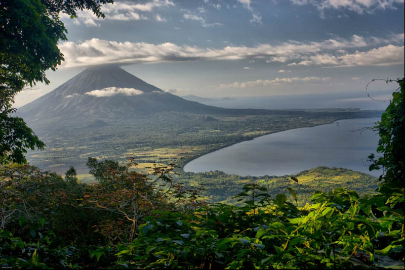 Mango-Rosa-Nicaragua-mountain-view.jpg