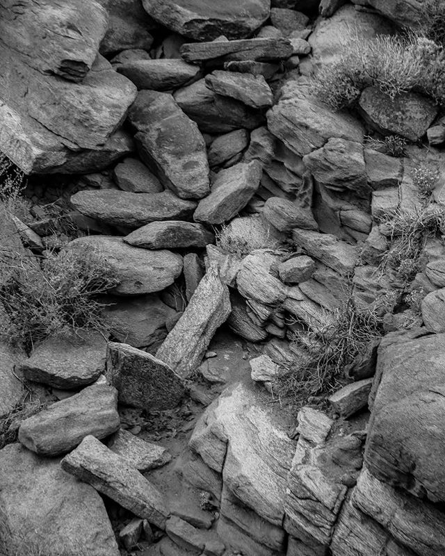 ASAP // WINTER 2019 。 。 。 #black #white #blackandwhite #monochrome #bandw #monochromatic #solid #photos #solidphotos #canon #canon5d #photography #rocks #deserts #natural #instagood