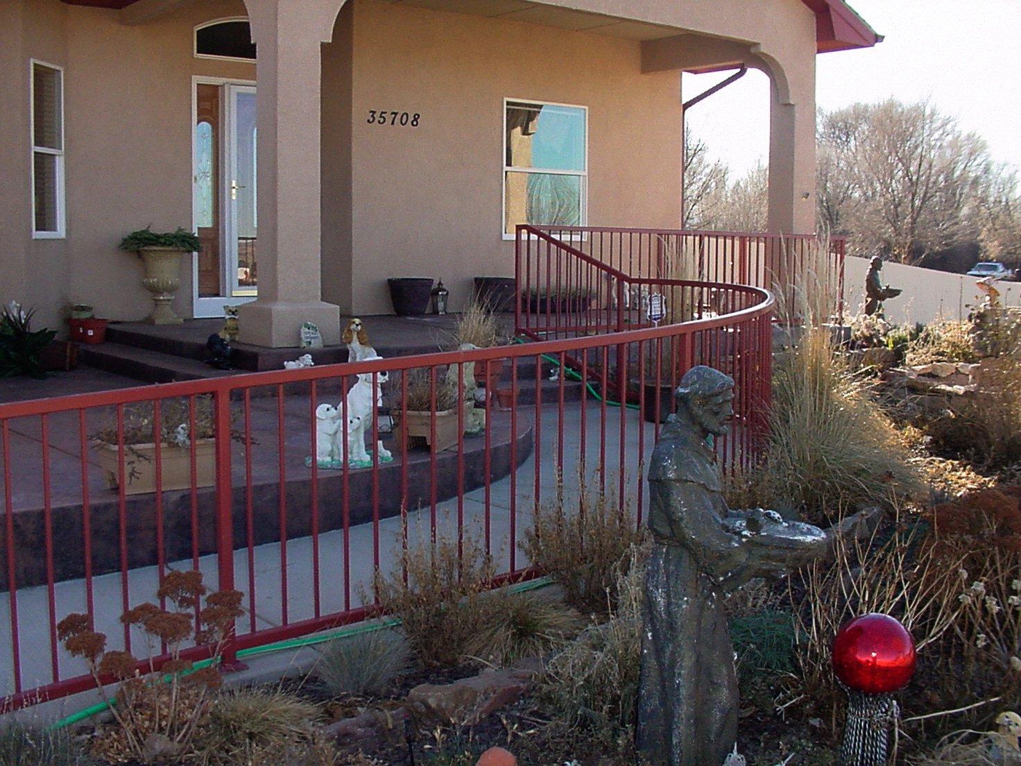 Thompson railing an pool enclosure0002.JPG