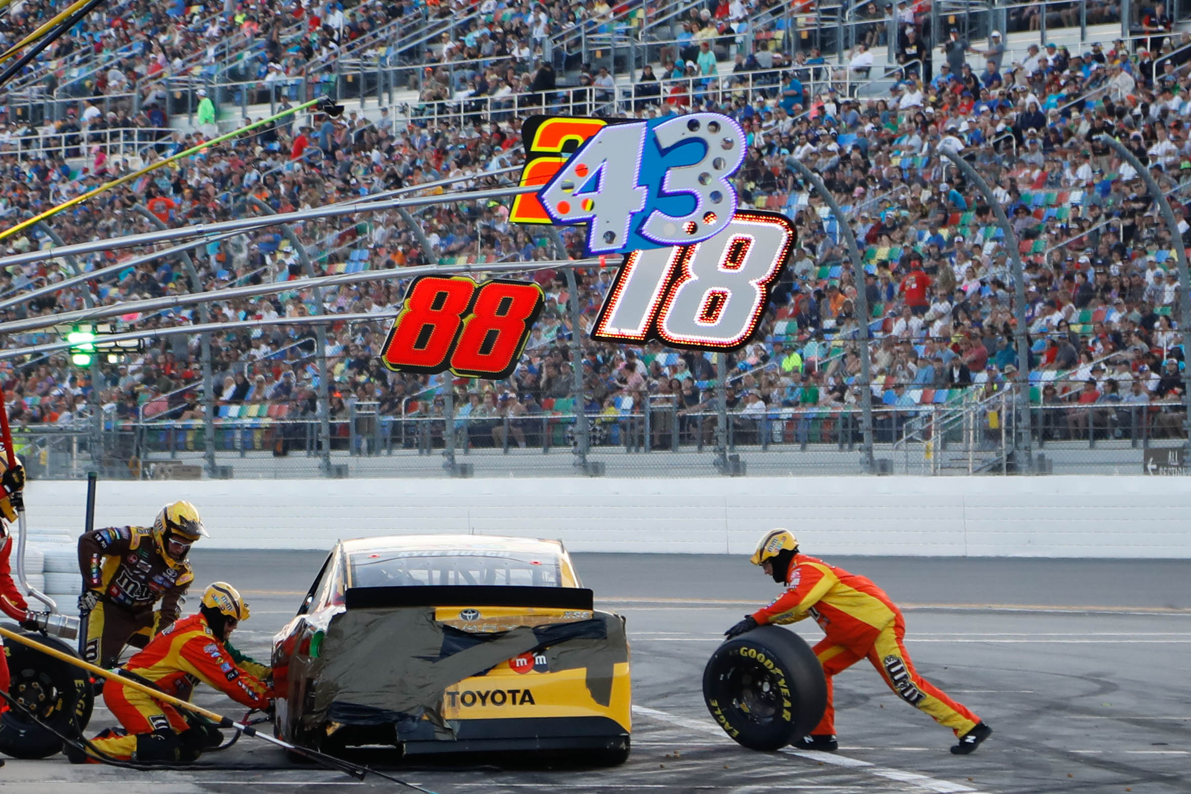 1007368368_Daytona500-36.jpg