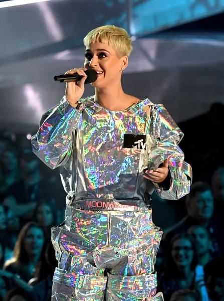 Katy+Perry+2017+MTV+Video+Music+Awards+Fixed+XgUNL9bzfuvl.jpg
