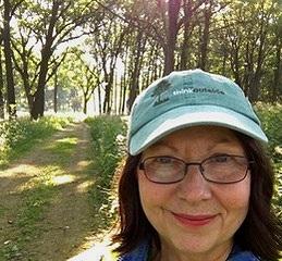 Brenda Spitzer, IL, USA.