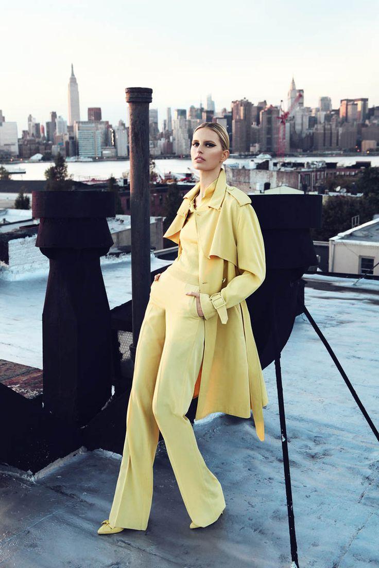 vogue-image-yellow-outfit-stylemindchiclife-monochromatic-style