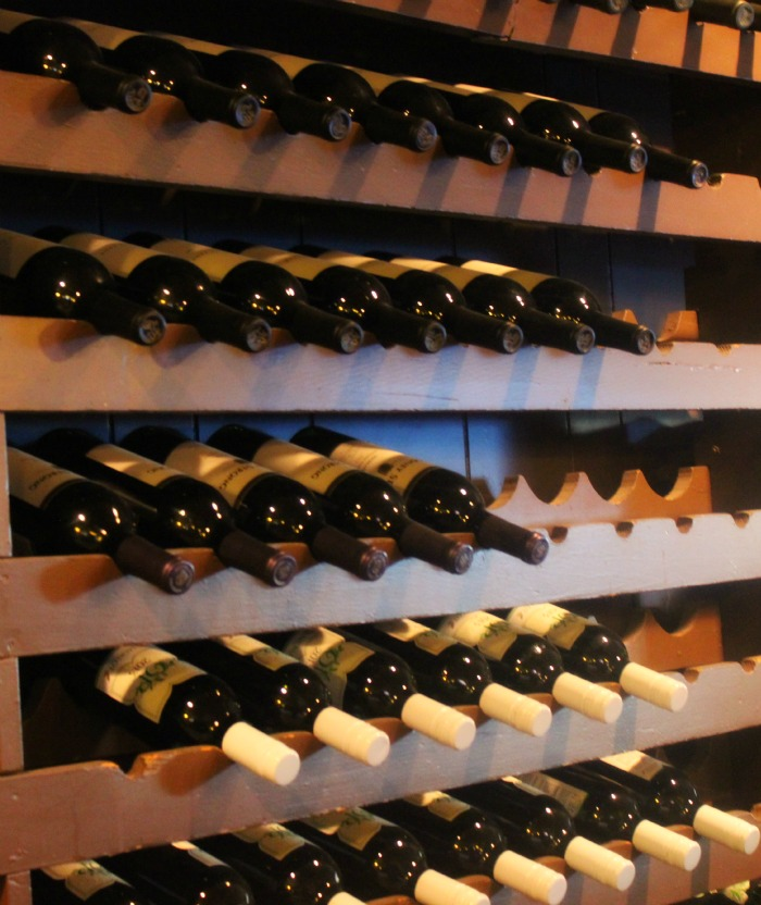 wine-wall-louis-cairo