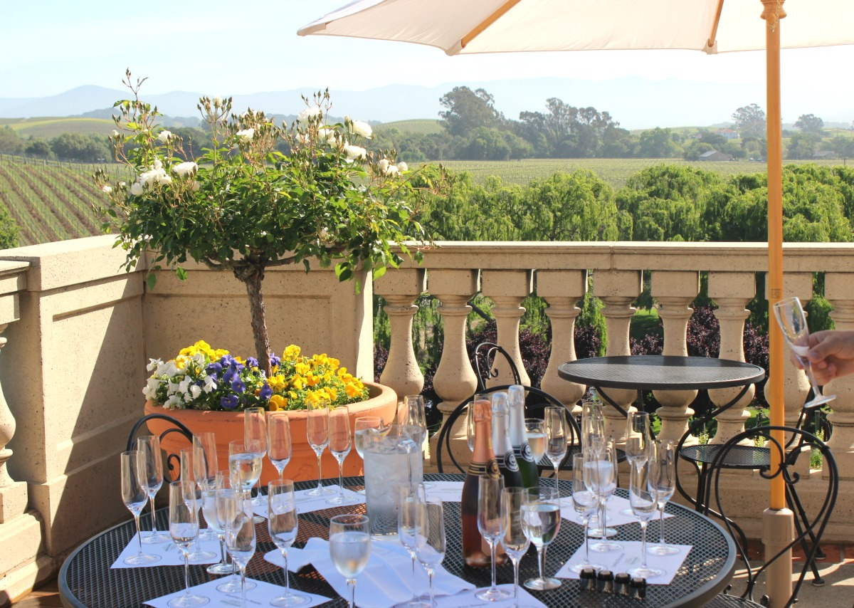 wine-tasting-experience-curated-travel