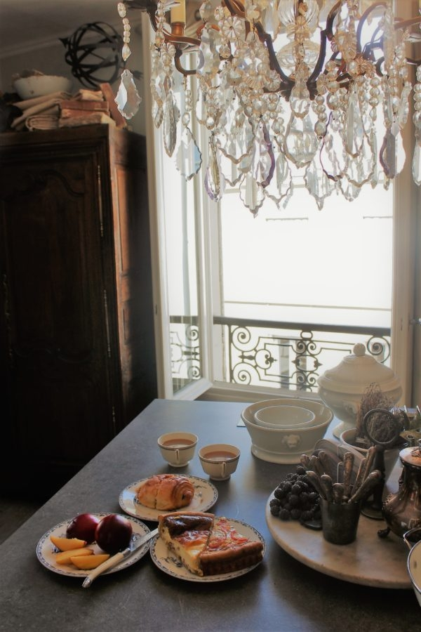 brunch-parisian-apartment