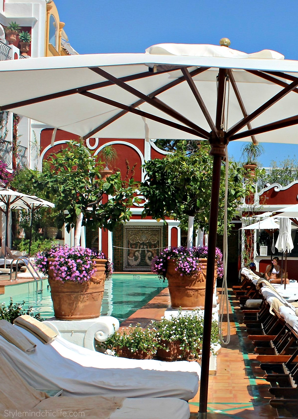 Patio Lounge at Le Sirenuse.jpg