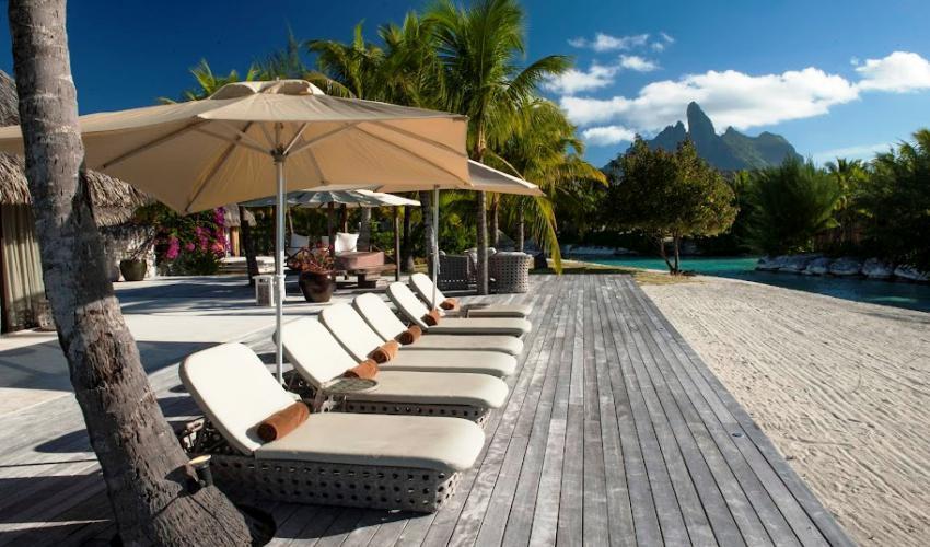 St_Regis_Bora_Bora_Resort_10.jpg