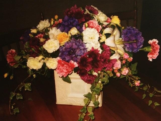 Moms-floral-bouquet.jpg