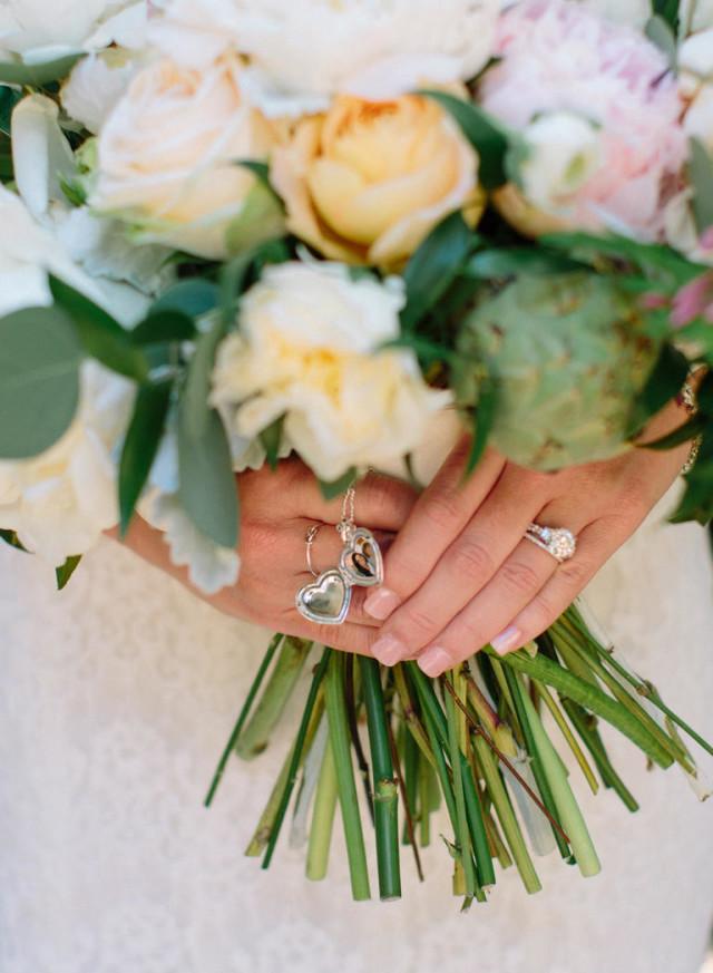 Wine-country-wedding-bouquet and locket-stylemindchiclife