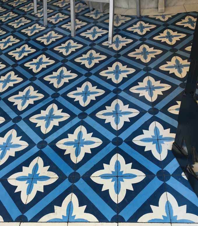 Lisbon_floor of seafood restaurant.png