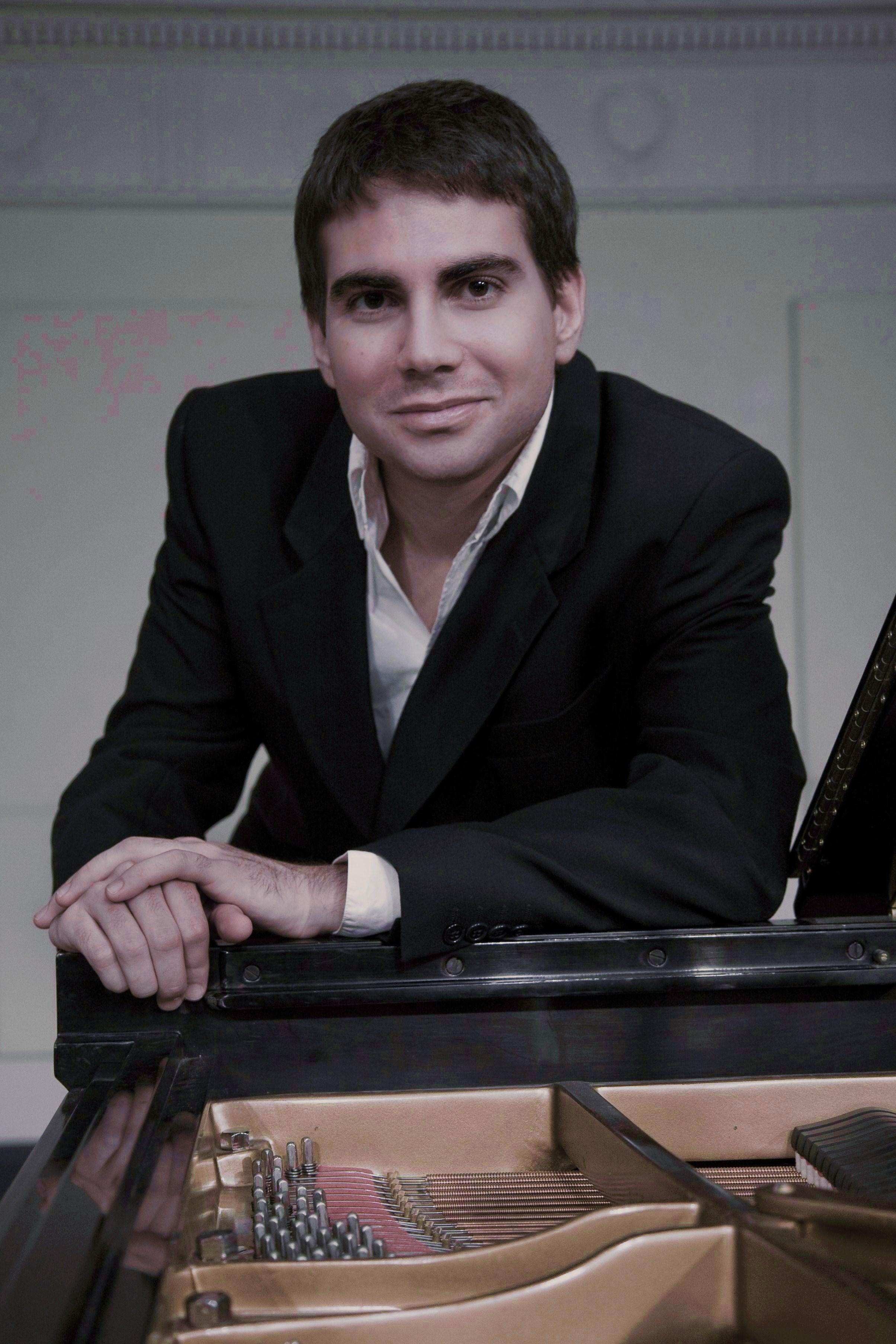 Escudero, Gabriel   Concertista de piano (España)