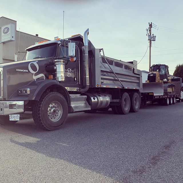 Off to the next job. #kenwortht800 #catd5k2 #civilconstruction #gravityconstruction