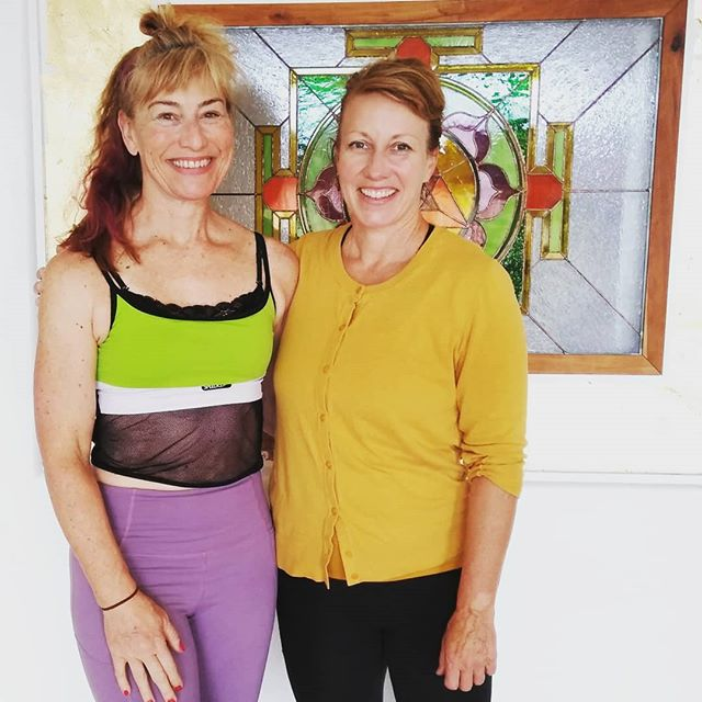 #fantastic #yoga classes in the #roguevalley at Om Sweet Om #yogastudio near #ashlandoregon  I always look forward to expert training with #yogini Melissa Cooley owner. Check them out ! 👈👈❤️ . . . #yogis #yogateacher #yogafitness