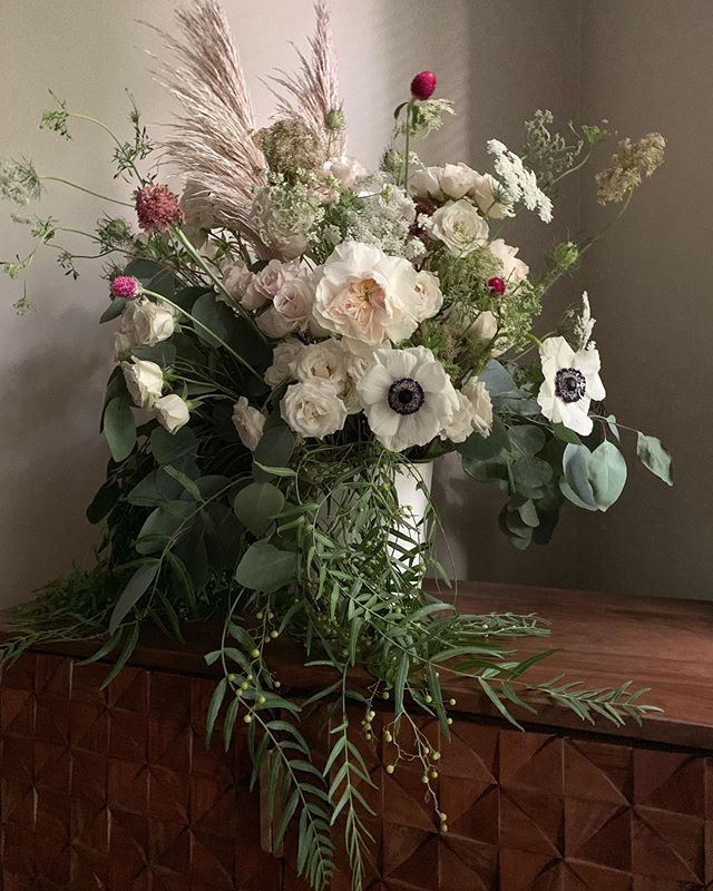 Just for fun . . . . . . . . . . #floral #flowers #chicago #design #chicagocreative #chicagofloral #floraldesign #chicagoflorist #florist #evanstonflorist #blooms #nightshade #nightshadechicago #nightshadeflorals #💐 #womenowned #womanowned #chicagowomen #shopsmall #shoplocal