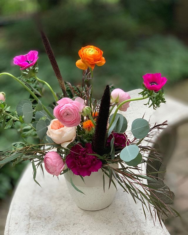 summer + fall . . . . . . . . . . #floral #flowers #chicago #design #chicagocreative #chicagofloral #floraldesign #chicagoflorist #florist #evanstonflorist #blooms #nightshade #nightshadechicago #nightshadeflorals #💐 #womenowned #womanowned #chicagowomen #shopsmall #shoplocal