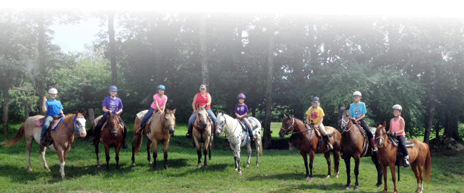 Beginner and expert equestrians alike will enjoy outdoor adventures with Monkey Island Trail Rides at Royal Horse Ranch. Offering guided horseback riding, options are available for half-hour or hour-long rides. Trails wind through more than 100 acres of sunny pastures and shady woods along beautiful Grand Lake, making the perfect setting or a leisurely ride.