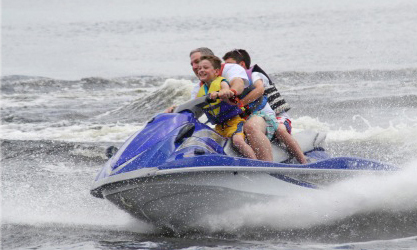 With three locations on Grand Lake, H20 Sports Rental is ready for on-the-water fun. The one-stop watercraft rental company offers jet skis, ski boats, wakeboard boats, pontoon boats, tritoon boats, paddle boats, tubes, skis and wakeboards for your enjoyment.