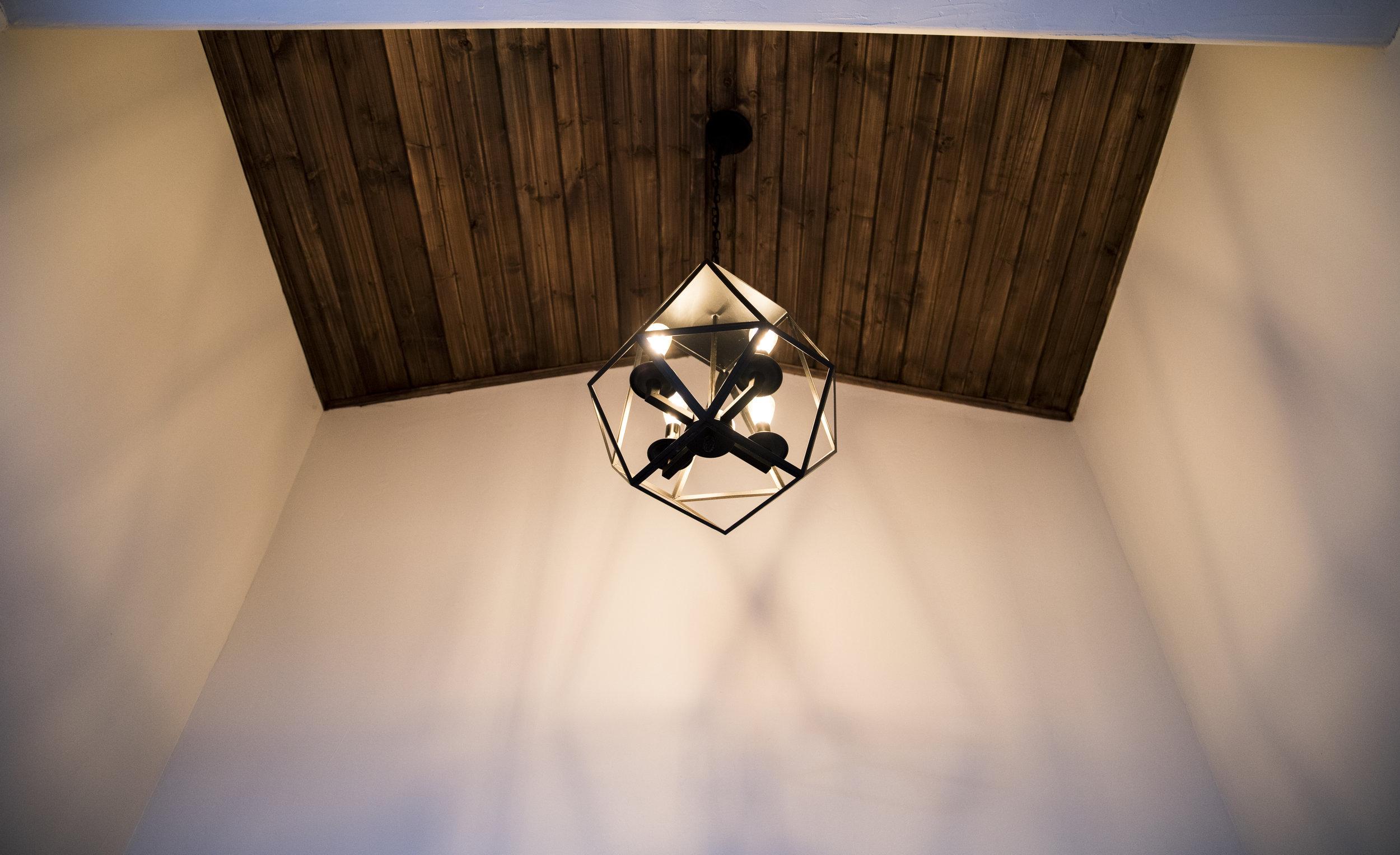 lightfixture.jpg