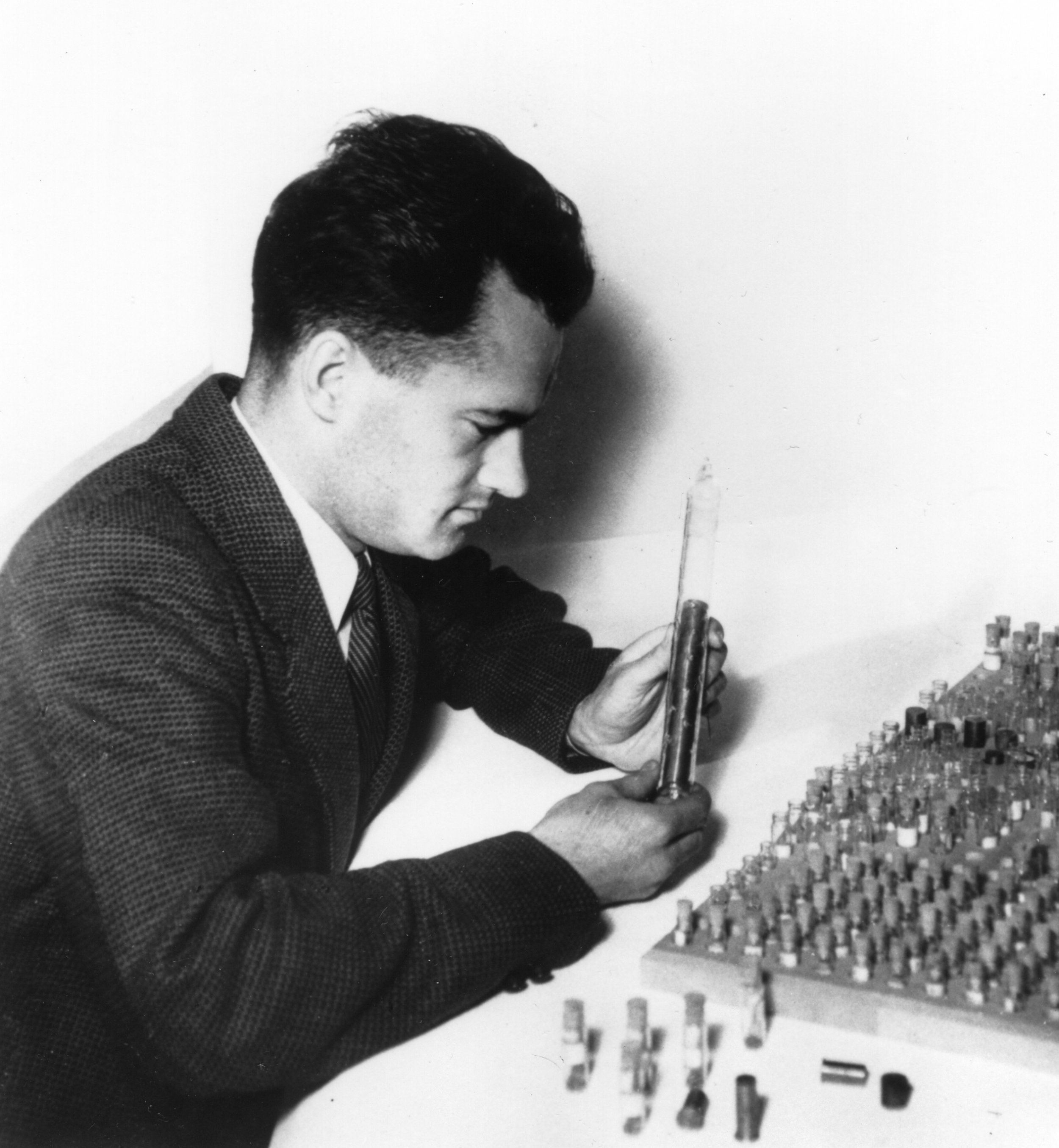 FIGURE 3.  Roman Smoluchowski, advocate for a metals division of the APS, works with alloy samples at General Electric. AIP Emilio Segrè Visual Archives, courtesy Roman Smoluchowski