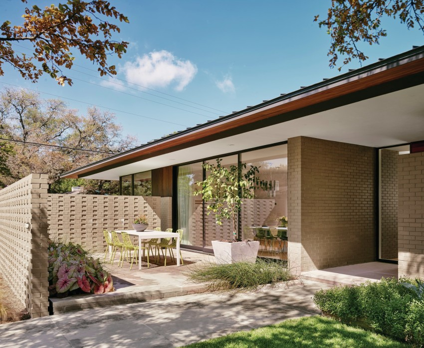 Austin Spec Home is Midcentury Modest - Builder