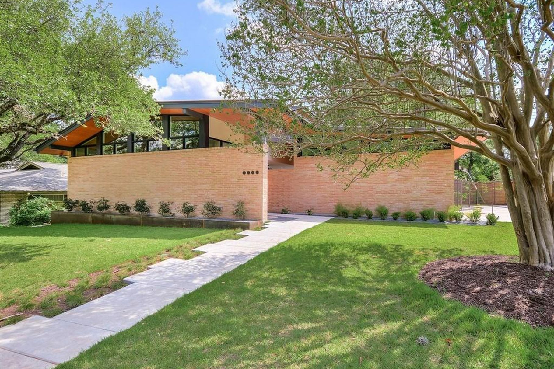 Northwest Hills Stunner Inspired by Midcentury-Modern Style - Curbed Austin, 2018