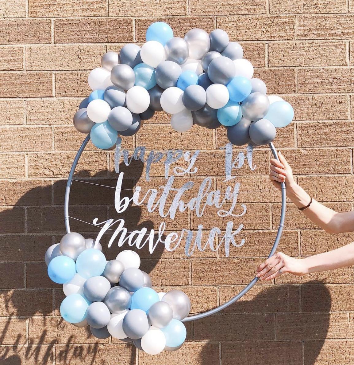 vroom_vroom_balloon_wreath_1st_birthday_maverick.png