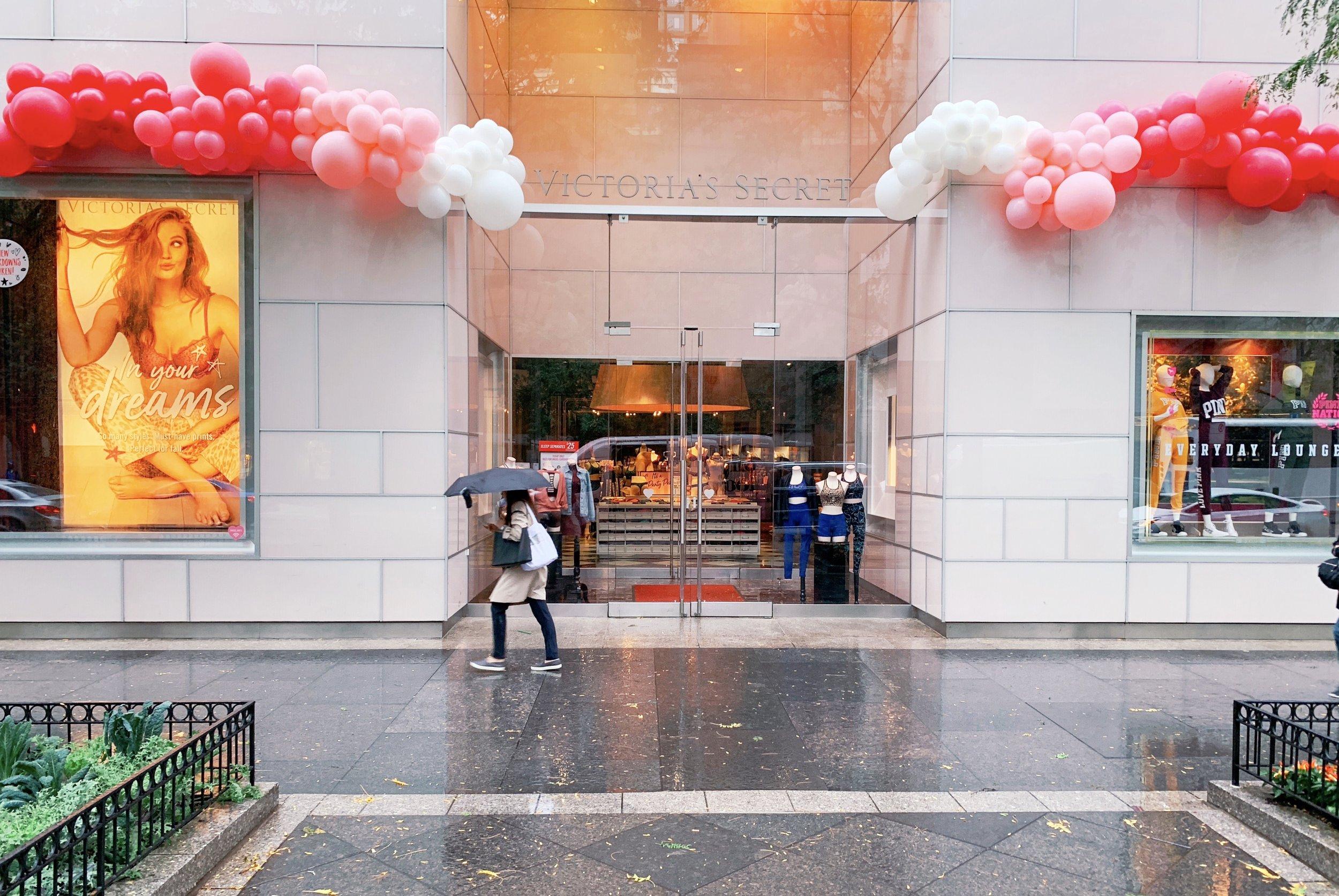 vroom_vroom_balloon_organic_balloon_garlan_installation_nashville_chicago_victorias_secret_pink.jpg