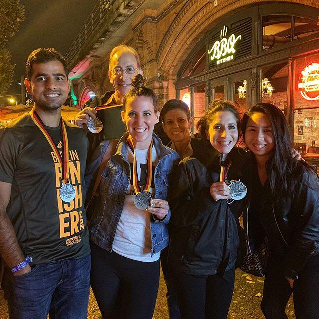 Fall Marathon season officially in full swing with this mighty crew throwing down at the Berlin Marathon on Sunday!!! 🏅 🇩🇪🏃🏻♀️🏃🏻♂️ PROST!🍻 #berlin42 #berlinlegend #gothamcityrunners #marathontraining