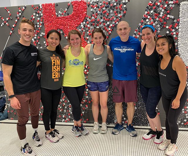 Staying strong and bendy courtesy of @thesession.nyc & @lululemonlabnyc! Great hour of runner specific drills and strength moves aimed at complementing and accelerating long distance training 💪🏻🏃🏻♀️🏃🏻♂️ #thesessionnyc #lululemon #gothamcityrunners #prehab #strengthtraining