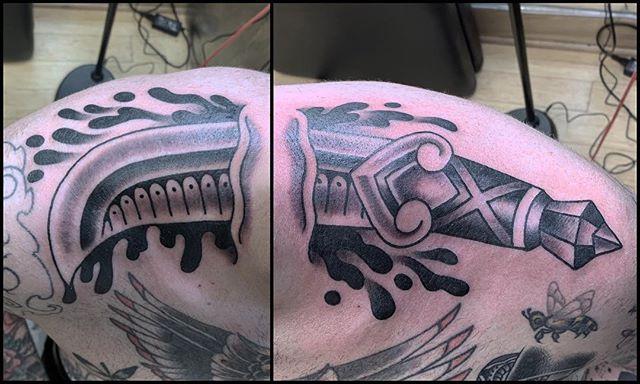 Through the neck job on my homie @jason_owens_ @handofdoomtattoos Thanks brotha! . . . . #chrislombarditattoo #bigdagger #daggertattoo #skinrip #blackworktattoos #blackandgrey #buffalonewyork #buffalotattooing #tattoo #handofdoom