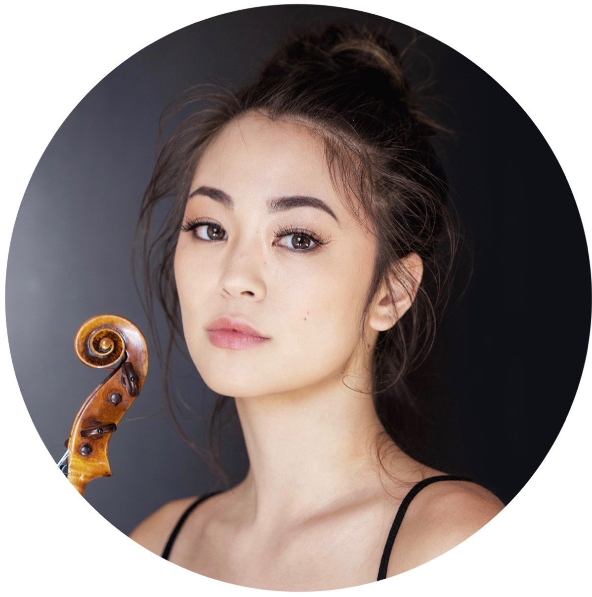 Simone Porter - Violinist Simone Porter has been recognized as an emerging artist of impassioned energy, interpretive integrity, and vibrant communication. After performing last season with Gustavo Dudamel and the Los Angeles Philharmonic, the LA Times declared Simone