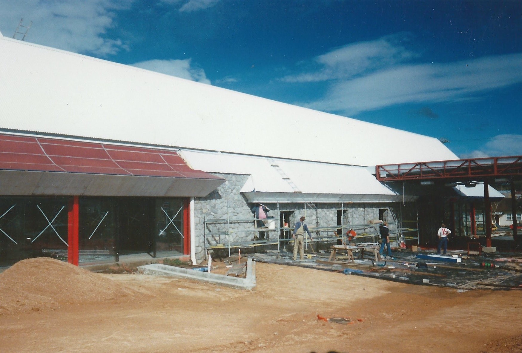 building snowstop village 40 Sharp st Cooma