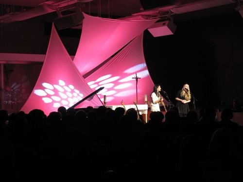 Internationally acclaimed folk duo  DALA  performs