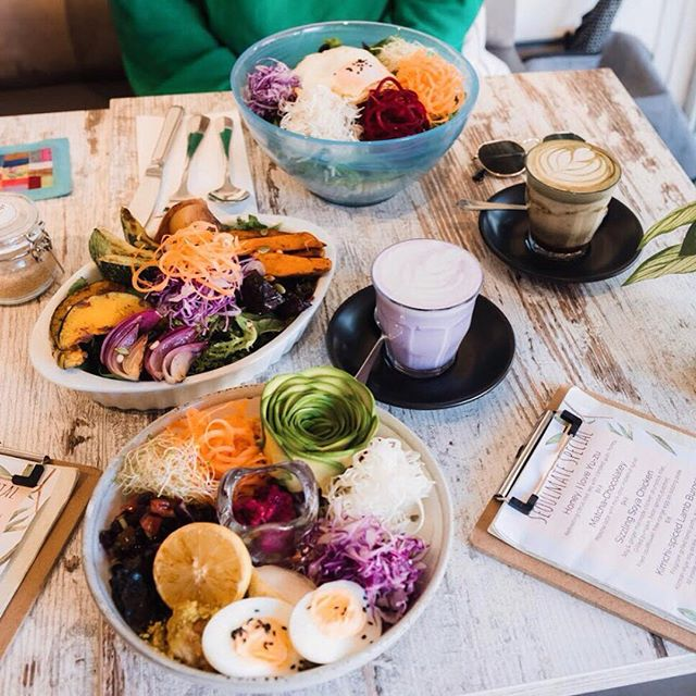 🌱GF/ Vegetarian meal sorted!🌿 🥑Yummy-ness not compromised🥗 🥳Vegan options/ Soy / Almond milk available🤩 . . . 🥗Fresh Vege Bibimbap V/GF 🥑Buddha Bowl V/GF 🔥Grilled Vege Bowl VE/GF 💜Purple Sweet Potato Latte with MilkLab almond milk . . 📸@sharonwhooo . . . #brunch #healthy #eats #vegan #vegetarian #healthyfood #avocado #cafe #lunch #healthymeal #cleanse #healthybody #healthymind #korean #fusion