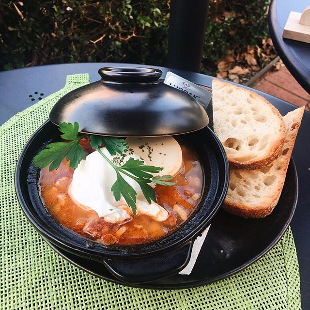 🔥Warm up with our Brekkie pot🧣 How else to fight the winter thats creeping up WAY too quickly #missingthesummer 🥰Served sizzling hot in a stonepot🍅 . . . 🥘Baked Brekkie Pot 🥫Tomato soup base 🥢Silkened tofu 😋Chorizo 🥚Poached egg ☄️Chickpea 🥖Served with toasted sourdough 💰$15 . . . #brunch #winter #warm #pot #baked #sydneyeats #cafefood #cafe #breakfast #brekkie #lunch #outdoor #eating #stayingwarm #cozy #hothothot #sydneybrunch #sydney #chatswood #chatswoodeats