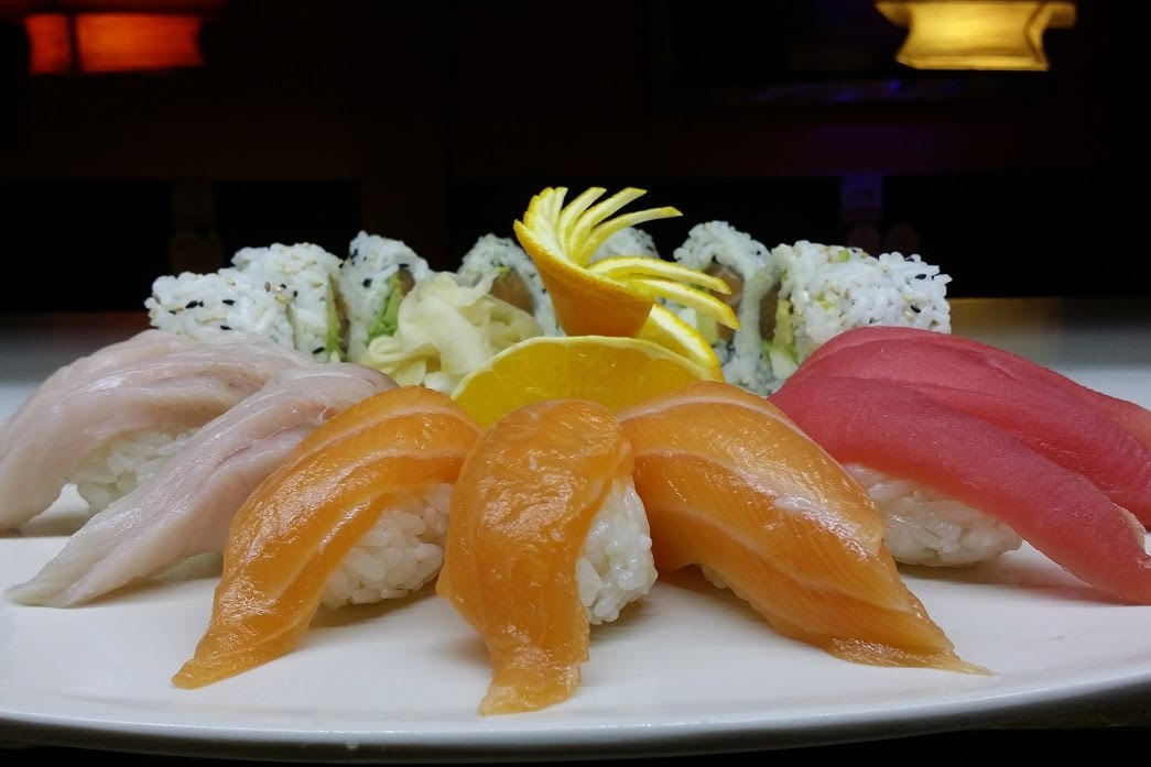 Sushi Combo (Lunch) - 6 pcs of Nigiri with choice of California, J.B, Spicy Krab, Spicy Salmon or Spicy Tuna roll