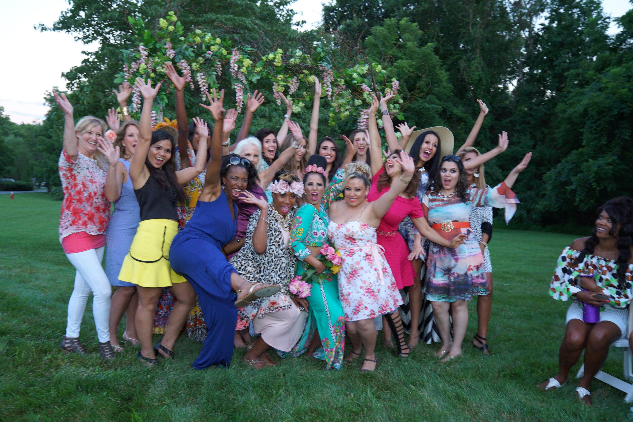 Savvy_Sexy_socia_womens_Networking_club_Keula_Binelly_Happy_hour_fashion_show_Great_Falls_Couture_Splendor_Garden