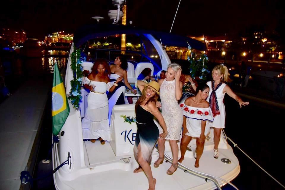 Savvy_Sexy_socia_womens_Networking_club_Keula_Binelly_Boating_life_washington-dc_Savvy_Sexy_socia_womens_Networking_club_Keula_Binelly_Boating_life_washington-dc_christeningSavvy_Sexy_socia_womens_Networking_club_Keula_Binelly_Boating_life_washington-dc