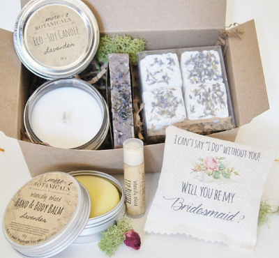 I love this box created by Mere Soap in Toronto! What a beautiful collection of soap and body care created in Ontario! Look into their shop details  here !
