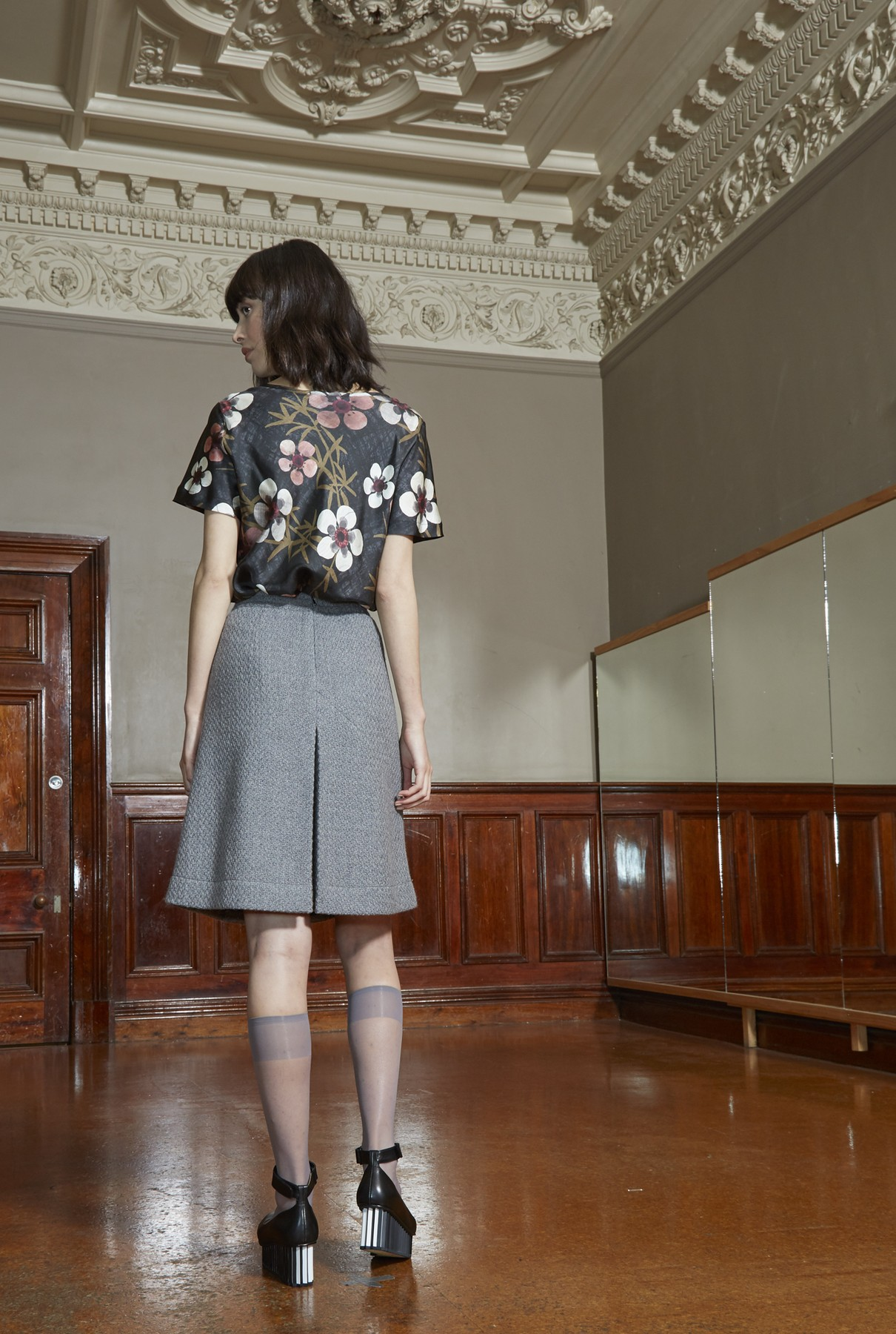 Dusk skirt short 1.jpg