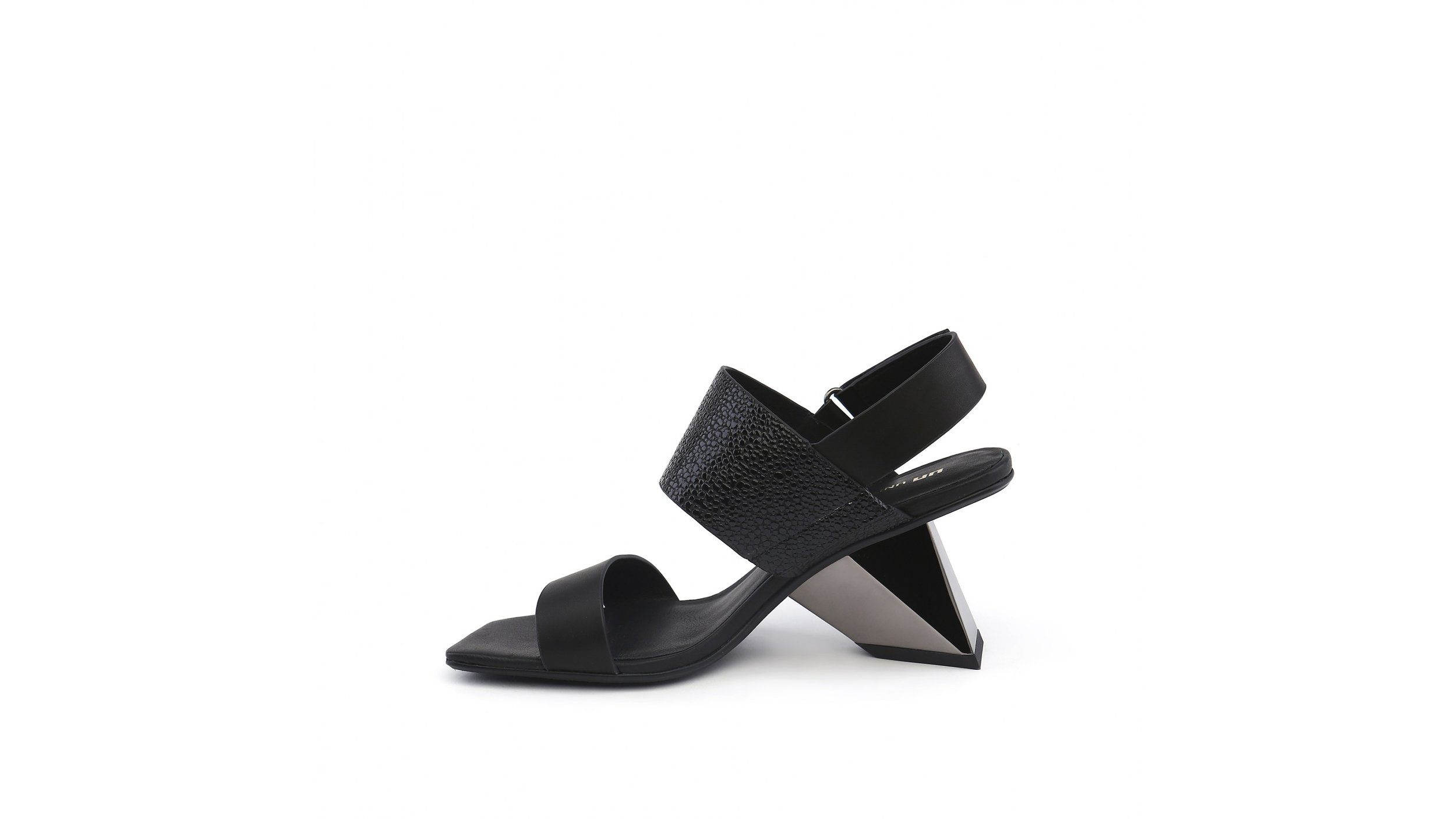 rockit-sandal-black-in.jpg