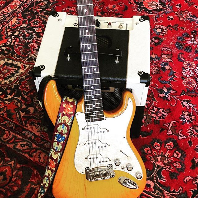 Can't wait for the housework to be done so I can sort out some Ry Cooder Open G magic on a #straturday night. Also, I'm gonna get back into the self-promotion racket for #vanityprojectvol1 in the next several days. You check it out yet on @spotify or wherever you get digital music? #blessed is a good place to start!