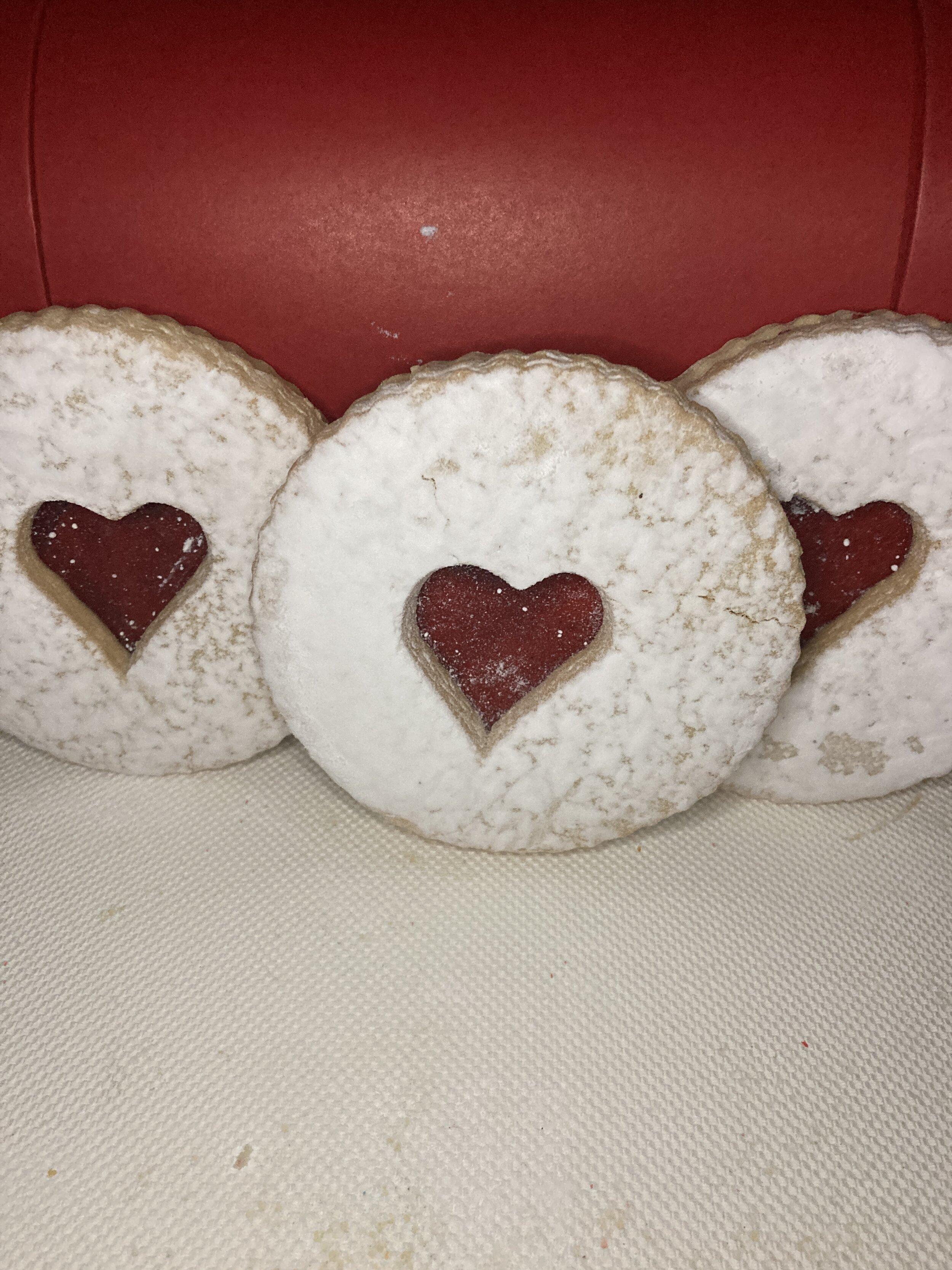 Linzer Cookies 1.JPG